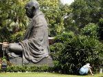 Gándhího posledná voľa či sandále majú nového majiteľa