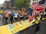 Tisíce dokončili maratón v Bostone, ktorý skončil tragicky