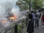 Situácia na predmestiach Štokholmu sa upokojuje