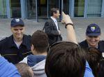 Stovky ľudí obkľúčených v bosnianskom parlamente prepustili