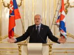 Prezident Gašparovič si o sebe nechal zhotoviť 400 kníh