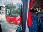 Horúčavy v Bratislave odrovnali autobusy, platia obmedzenia