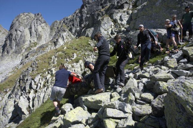Český turista si pri páde v Tatrách zlomil nohu i rebrá
