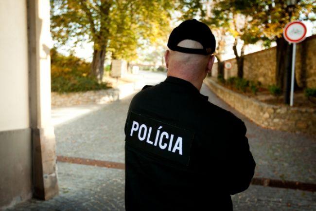 Vysoký policajný funkcionár podporoval zločineckú skupinu
