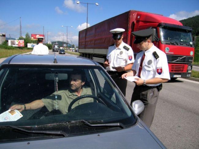 Vodiči pozor, na D1 čaká policajná kontrola