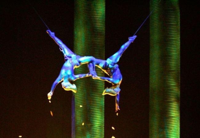 Akrobatka z Cirque du Soleil spadla z výšky takmer 28 metrov