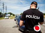 Tínedžer unikal polícii na kradnutom aute, došiel mu benzín
