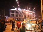 Nočnou Káhirou zneli boje, ľudia platili životom a zranením