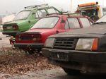 Z petržalských parkovísk zmizli desiatky vrakov áut
