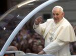 Státisíce kresťanov na pláži Copacabana čakajú na pápeža