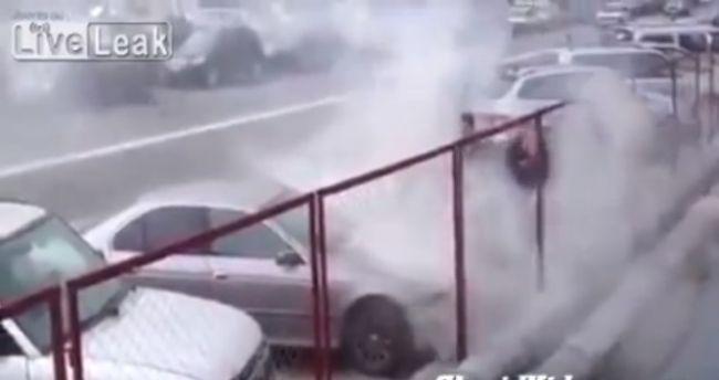 Video: Ako sa hasí požiar auta v Rusku
