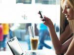 Bez mobilu zvládne dovolenku len 12 percent Slovákov