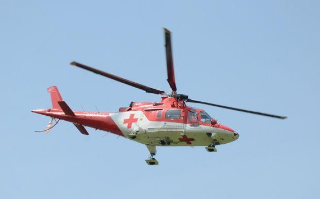Ženu s polytraumou musel po nehode zachraňovať vrtuľník