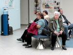 Pacientov čakajúcich na operácie rozdelia do dvoch skupín