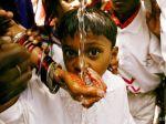 Thajský tínedžer zomrel po vypití 20 litrov ´posvätnej´ vody