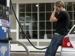 Novomanžel zabudol svoju nevestu na pumpe, všimol si to až po hodinách