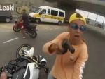 Video: Zlodej motorky vs. policajt