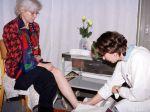 Veľa ľudí s osteoporózou o ochorení nevie, ženy sa môžu dať vyšetriť