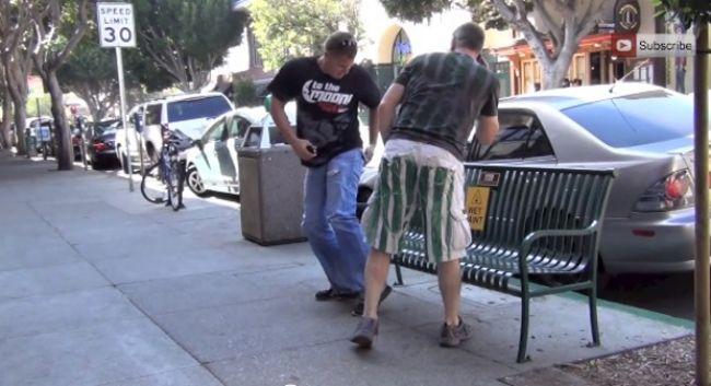 Video nachytávka: Čerstvo natretá lavička