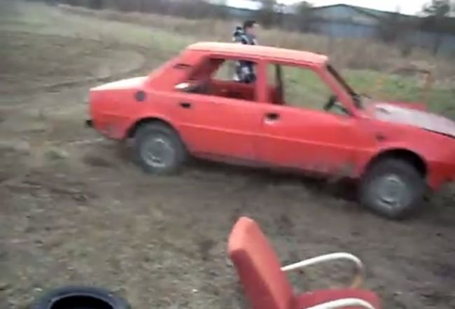Video: Crash test Škoda 120
