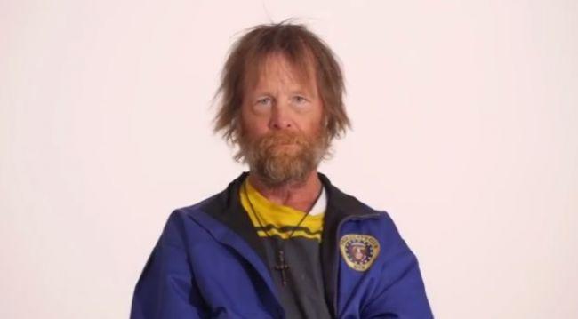 Video: Z bezdomovca elegán