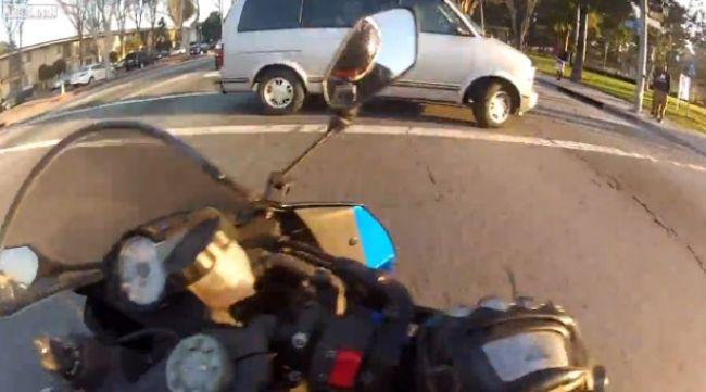 Video: Adrenalínová jazda na motorke
