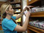 V lekárňach vraj chýbajú desiatky liekov, ministerstvo to odmieta