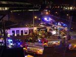 Na preplnený bar v Glasgowe sa zrútila helikoptéra