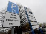 Pred bratislavskými nemocnicami budú protesty proti parkovnému