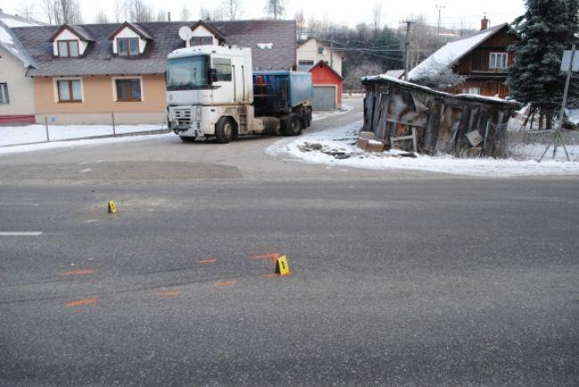 Autobus sa zrazil s nákladiakom, zranené sú dve ženy