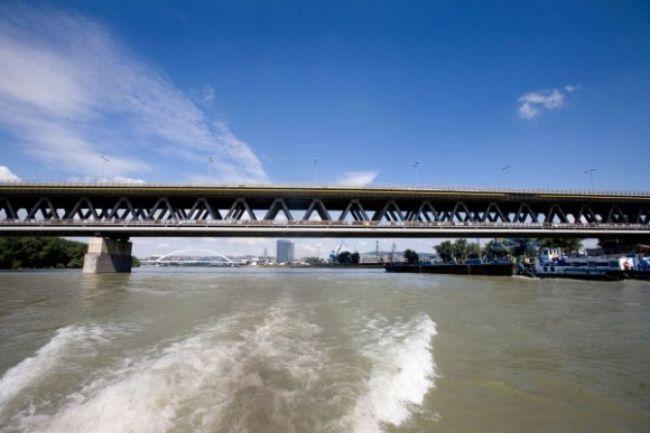 Prístavný most oslavuje, Bratislave slúži už tridsať rokov