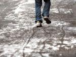V Bratislave ošetrili desiatky ľudí, ktorí spadli na ľade