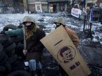 Mrznúcim ľuďom na kyjevských barikádach pomôžu mladí z SDKÚ