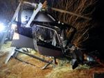 Tragédia v Anglicku, na pole sa zrútil civilný vrtuľník