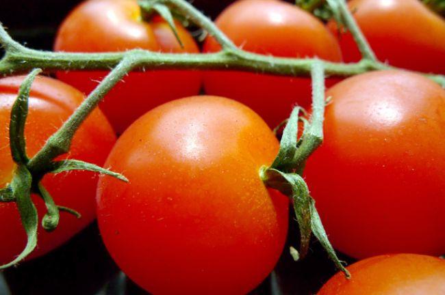 Prečo rajčiny nechutia a nevoňajú ako rajčiny?