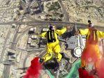 Video: Zoskok z najvyššej budovy na svete