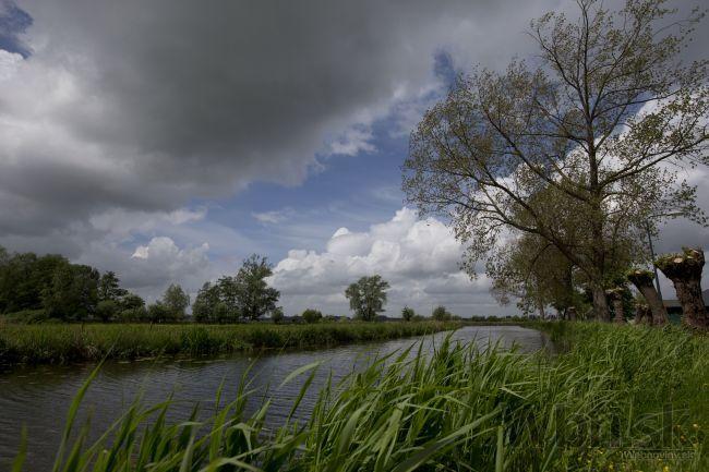 Počasie dáva Slovákom zabrať, krajinu atakuje dážď aj vietor