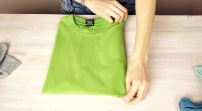 Video: Ako zložiť tričko tromi spôsobmi