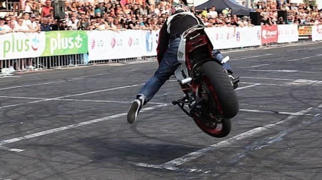 Video: Frajer na motorke