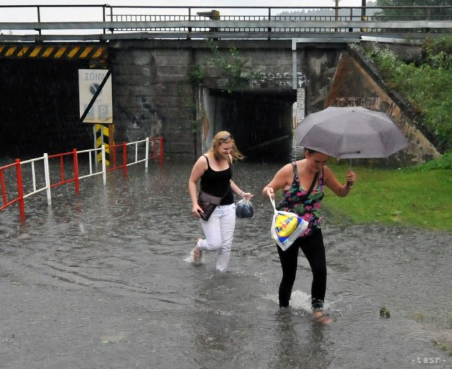 Tretí stupeň povodňovej aktivity vyhlásilo mesto Žilina i viacero obcí