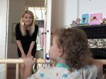 Video: Keď si mama potrebuje odbehnúť