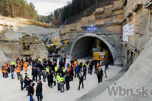 Na D3 začali raziť tunel Považský Chlmec 4e4d69564dc