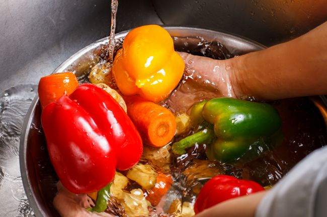 Takto odstránite pesticídy z ovocia a zeleniny