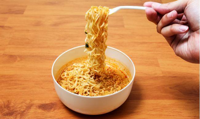 Instantné polievky: Toto robia s našim zdravím