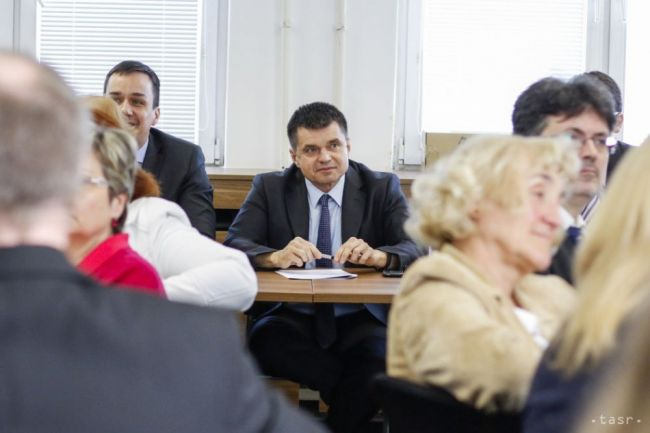 Akreditačná komisia má nového člena