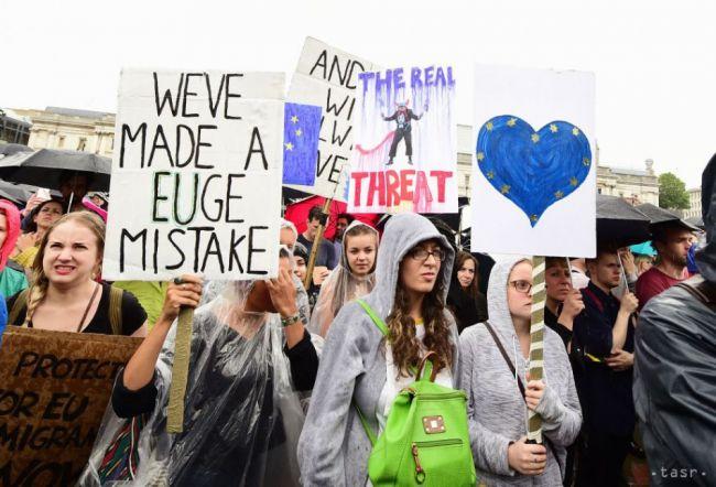 Britská vláda odmietla petíciu za vypísanie druhého referenda o EÚ