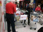 Pomáhame potravinami – aj jedna konzerva sa počíta