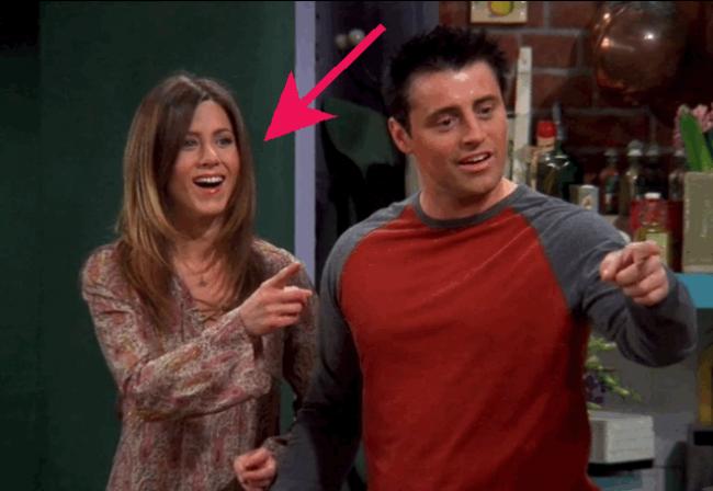 Video: Herečku v Priateľoch v jednej epizóde vymenili. Nikto si to doteraz nevšimol