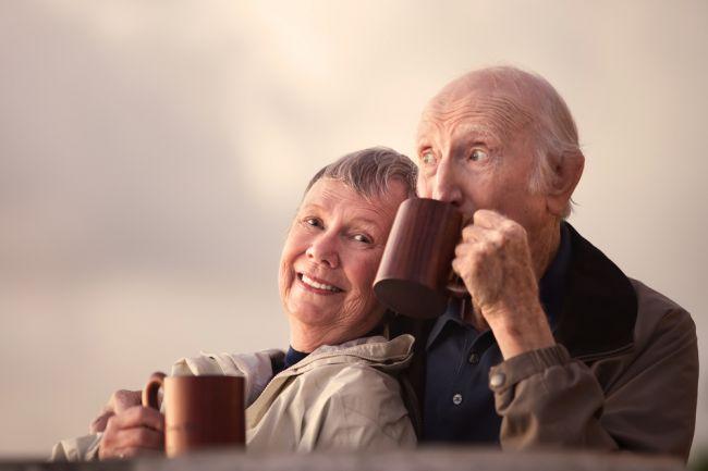 Pitie 3 šálok kávy denne pomáha v boji proti Alzheimerovi