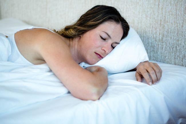 Škodí človeku spanie na bruchu?